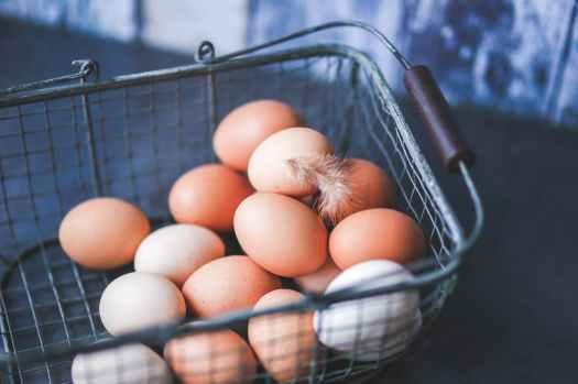 metal-easter-eggs-basket.jpg